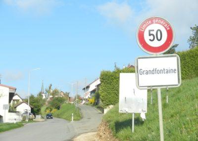 entrée du village (prendre à droite)